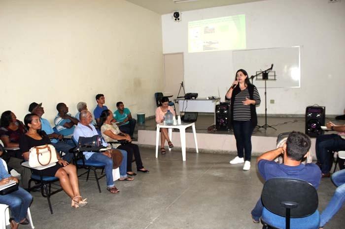 Prefeitura realiza formação com feirantes da Feira da Agricultura Familiar de Caetité