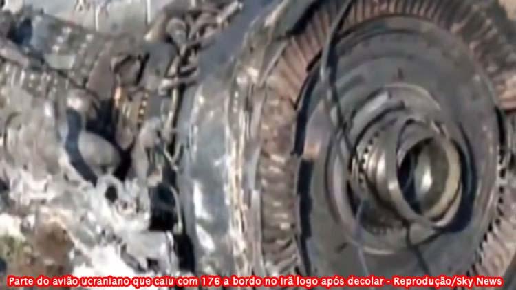 Caixas-pretas de avião que caiu no Irã são achadas; país se recusa a entregá-las