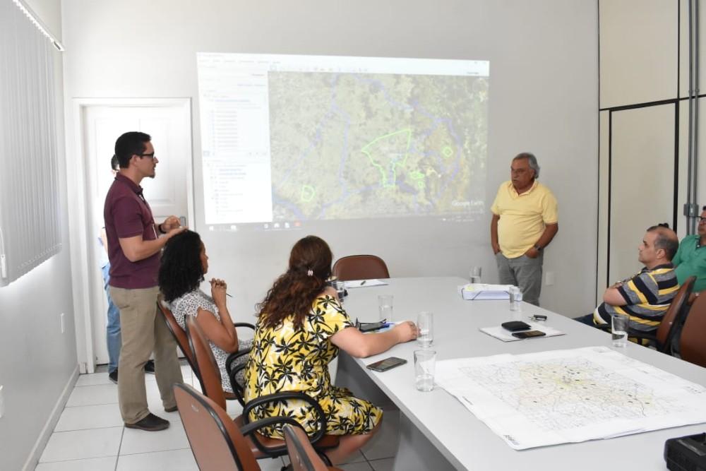 Prefeitura de Guanambi e IBGE discutem parceria para o censo populacional