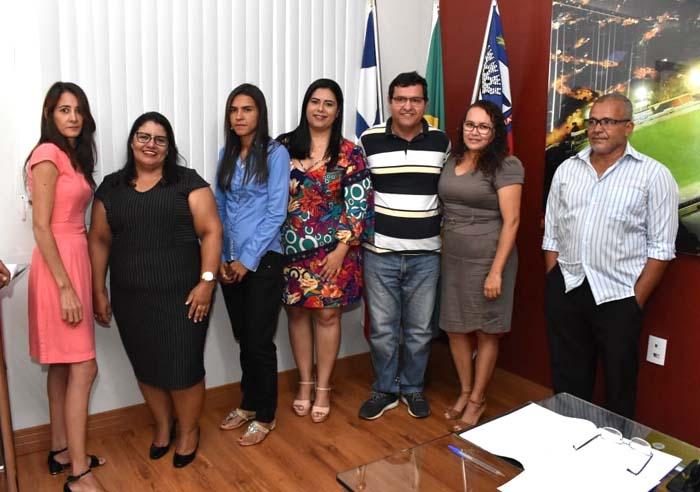 Prefeito de Guanambi empossa integrantes do novo Conselho Tutelar