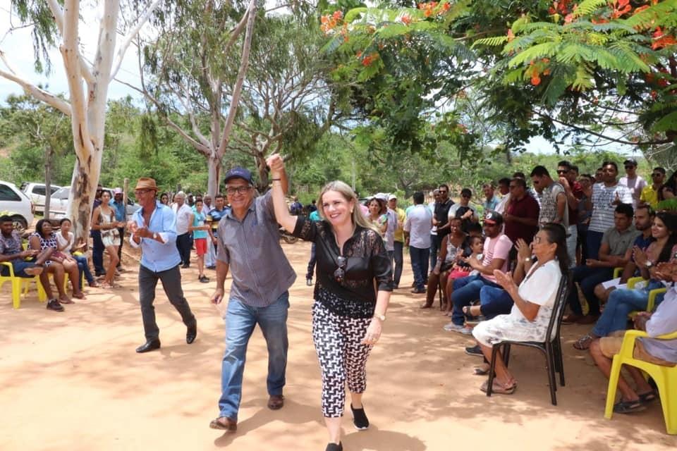 Caetité: Ivana e Valtécio garantem energia para comunidade rural