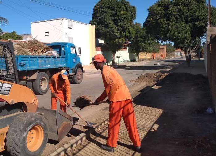 Prefeitura de Guanambi promove serviços e melhorias em Mutans e Morrinhos