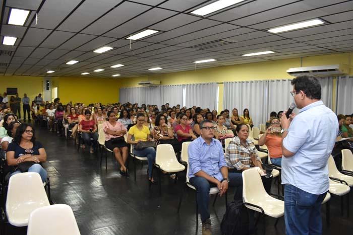 Prefeito de Guanambi Jairo Magalhães anuncia reajuste linear para todos os professores de 12.84%