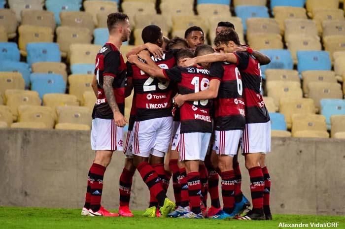 Flamengo joga mal mais vence a Portuguesa-RJ de virada