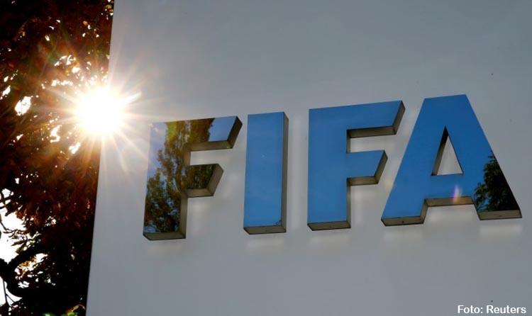 Fifa propõe cinco substituições por equipe para lidar com maratona na retomada do futebol