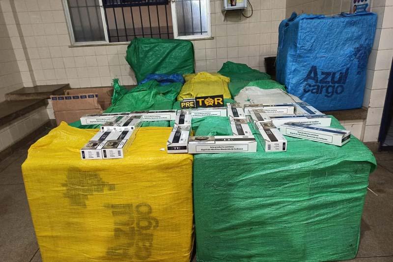 Veículos com placas de Guanambi são apreendidos com carga de 700 pacotes de cigarros contrabandeados
