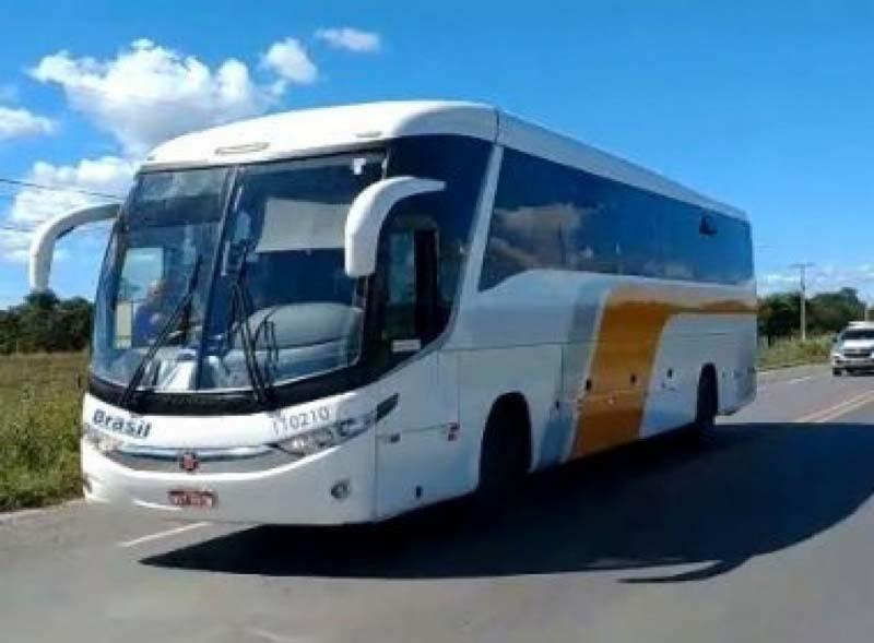 Ônibus de Goiás é impedido de parar em Santa Maria da Vitória e Bom Jesus da Lapa e retorna a município de origem