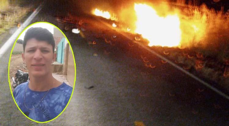 Jovem morre carbonizado após colisão entre carro e carreta na BR-430, entre Igaporã e Riacho de Santana