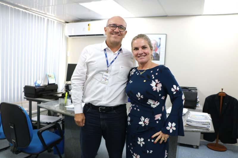 Ivana Bastos reitera pedidos de Ibitiara e Guanambi na Embasa