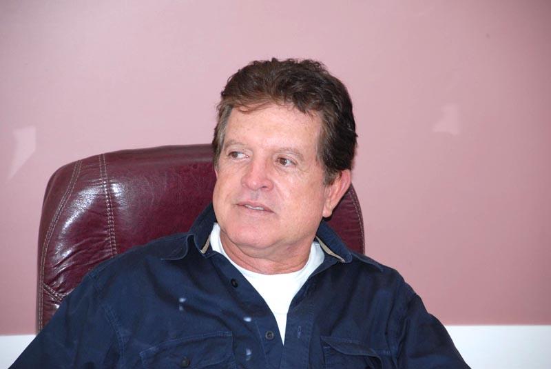 Ex-prefeito de Caetité é denunciado ao MPE por fraude em licitação