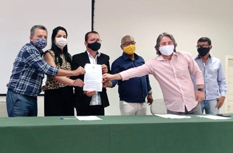 Deputado Charles Fernandes aloca recursos para o IF Baiano e ordem de serviços é assinada