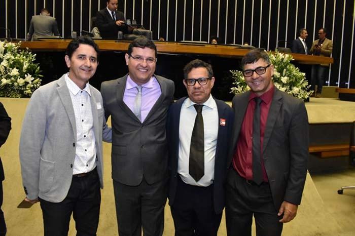Presidida por Charles Fernandes, Câmara dos Deputados realizou nesta quarta Sessão Solene em homenagem ao Centenário de Guanambi
