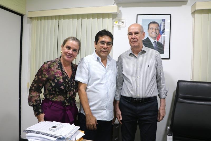 Ivana Bastos busca a ampliação da oferta de água para Riacho de Santana