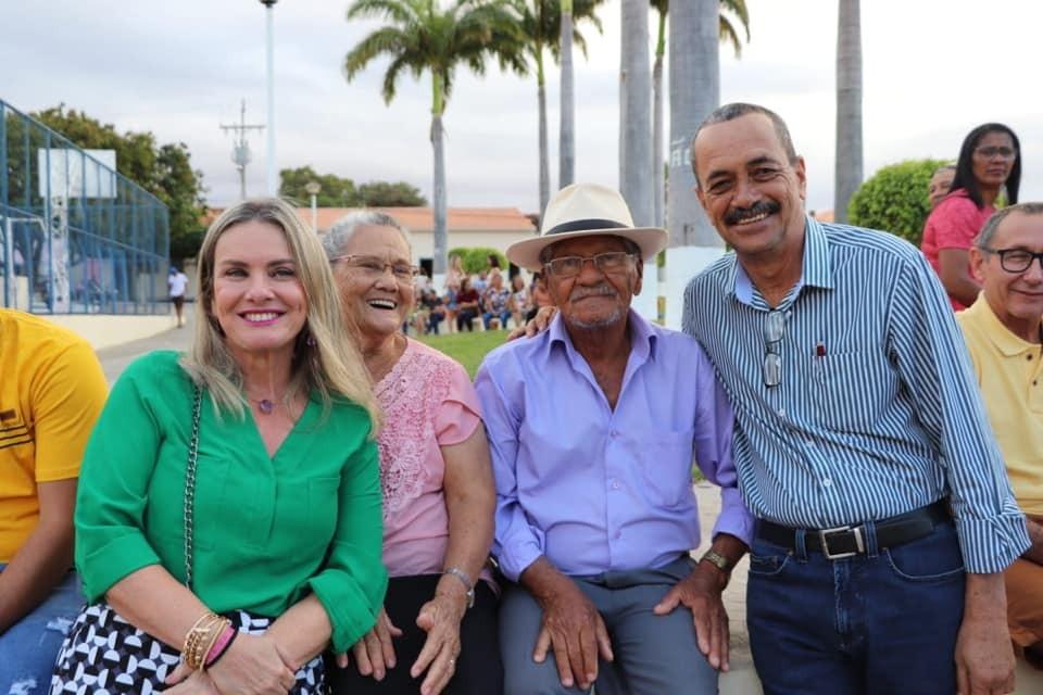 7 de Setembro: Ivana Bastos participa de desfile cívico em Palmas de Monte Alto