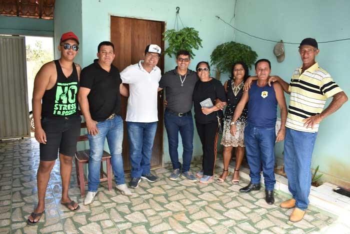 Prefeito Jairo Magalhães prestigia eventos e se reúne com comunidade rural