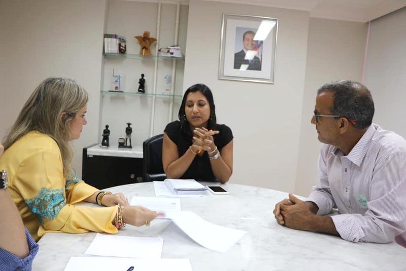 Ivana e prefeito buscam pela implantação do Centro Administrativo em Iraquara