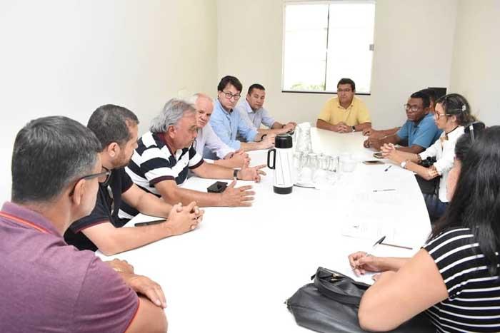 Prefeitura discute plano de saúde com servidores
