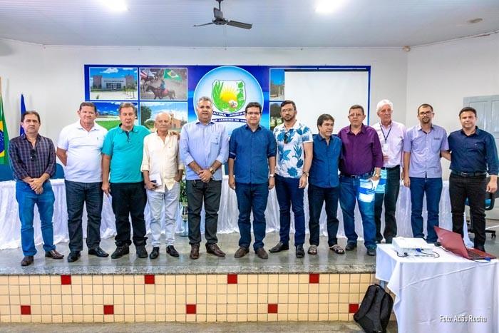 Prefeito de Iuiú participa de reunião do Consórcio do Alto Sertão em Matina para debater destino de resíduos sólidos