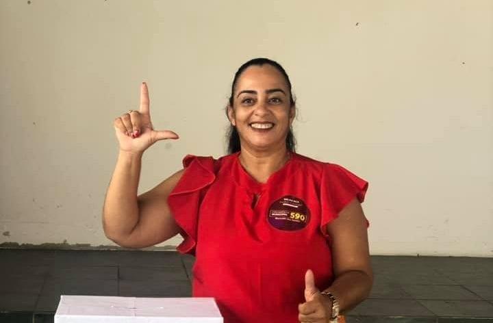 Em disputa acirrada, pré-candidata a prefeita é eleita presidente do PT de Guanambi