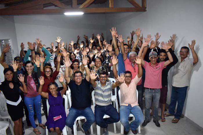 Prefeito Jairo Magalhães visita comunidades na região de Morrinhos e autoriza mais obras