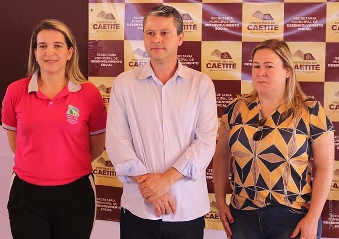 Prefeito Aldo Gondim participa de assinatura de contratos das 300 casas do Programa Minha Casa Minha Vida