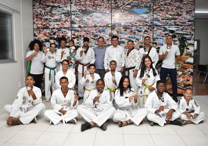 Jovens guanambienses se destacam no Campeonato Baiano de Taekwondo com apoio da Prefeitura