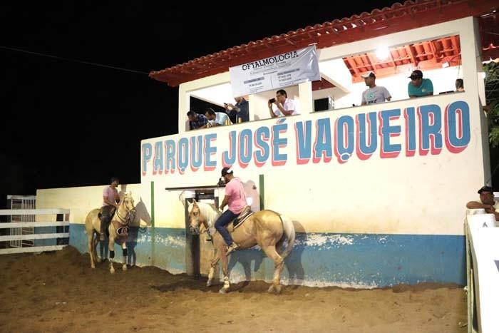Candiba realiza a X vaquejada no parque José Vaqueiro