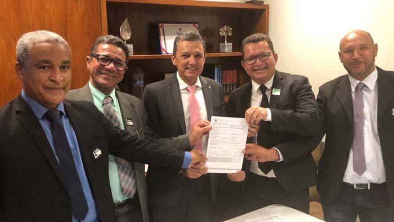 Deputado Charles Fernandes se reúne com diretor do IF Baiano e oficializa emenda para melhorias de infraestrutura na instituição