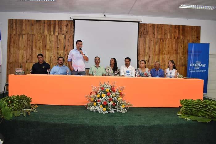 Prefeito de Guanambi destaca potencial da fruticultura no município durante seminário sobre o tema