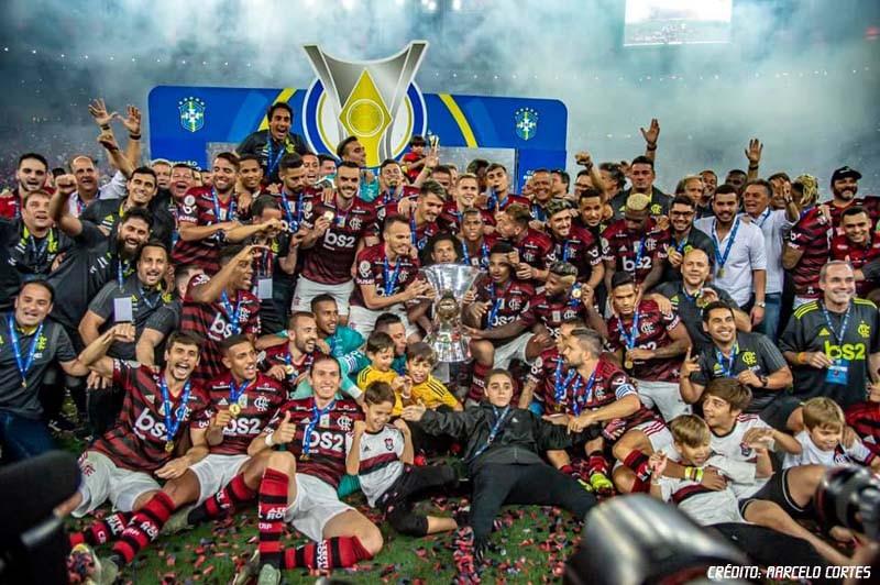 Flamengo goleia com show de Bruno Henrique e ergue a taça de campeão