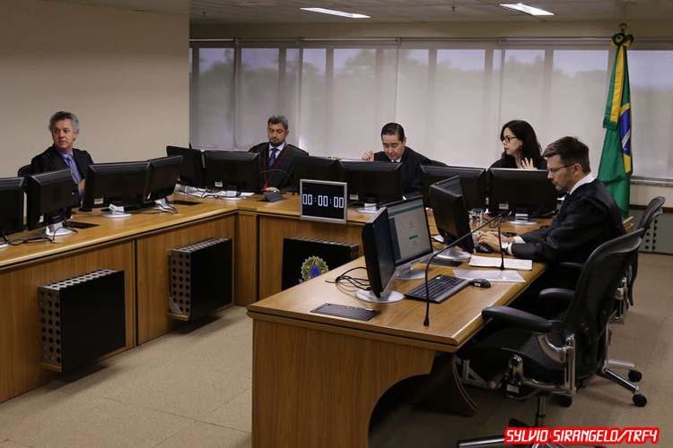 Segunda instância condena Lula a 17 anos de prisão em caso de sítio