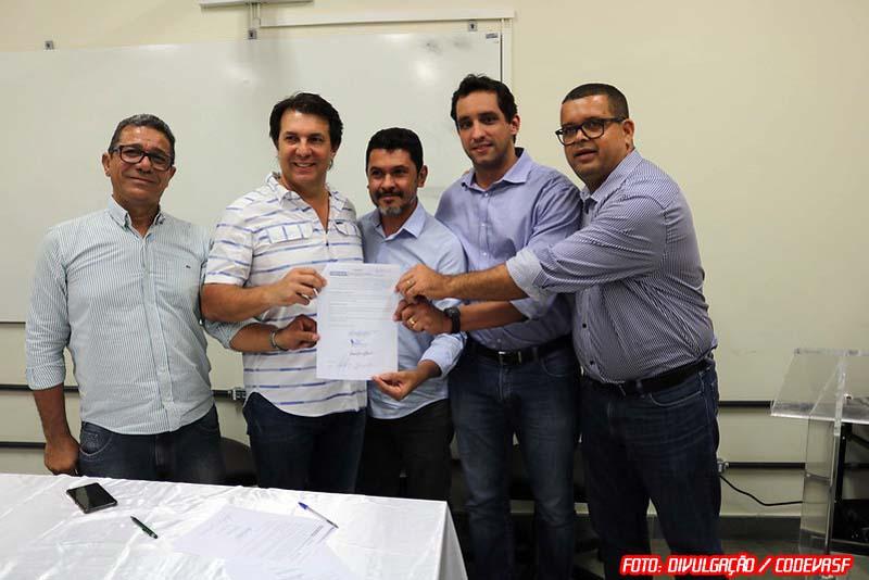 Codevasf doa terreno para construção do campus definitivo da UFOB em Bom Jesus da Lapa (BA)